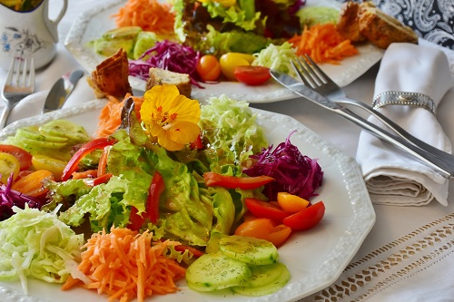 Eating healthily can help to improve fertility