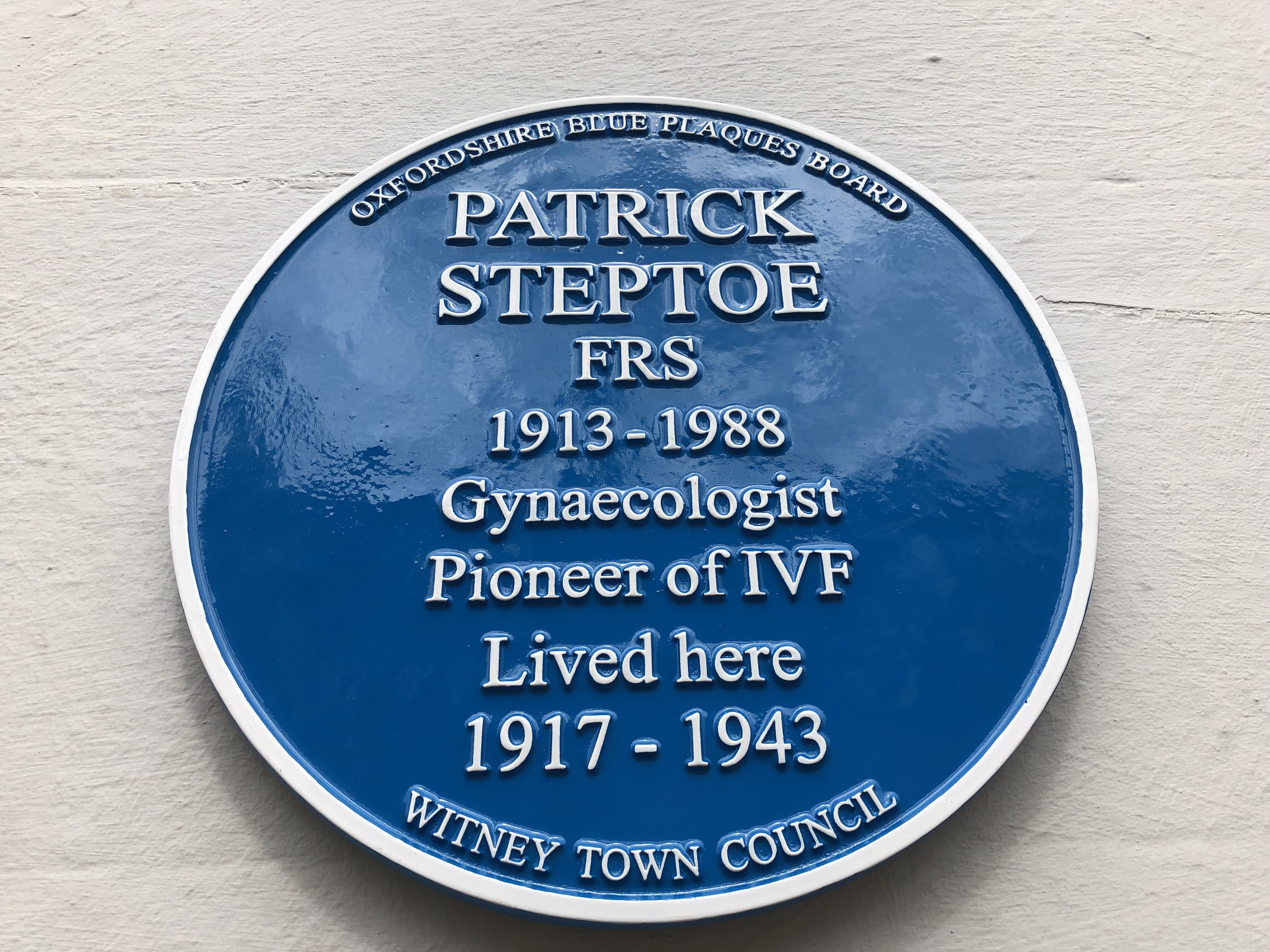 Patrick Steptoe Blue Plaque