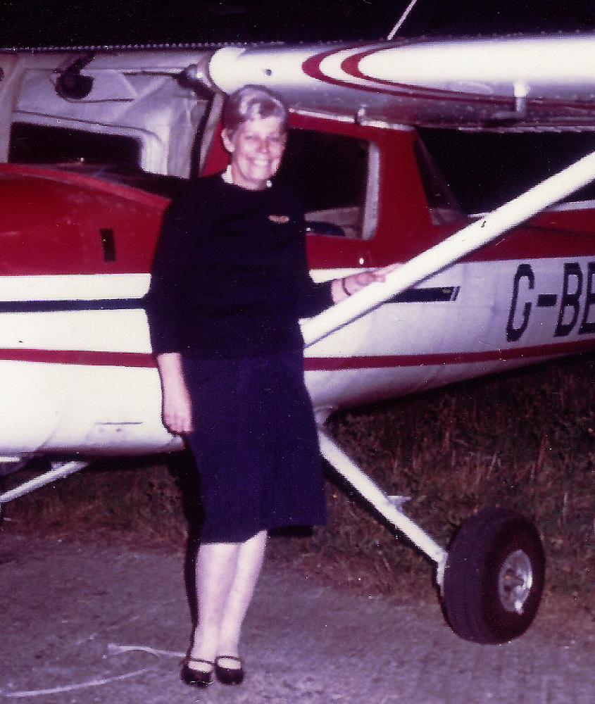 Muriel Harris with her Cesna G-BEKN